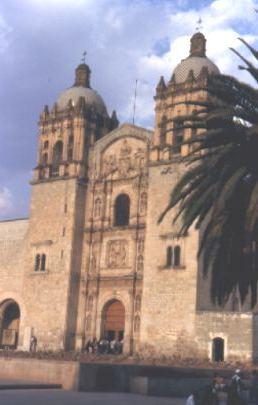 La Soledad - eine der vielen Kirchen.